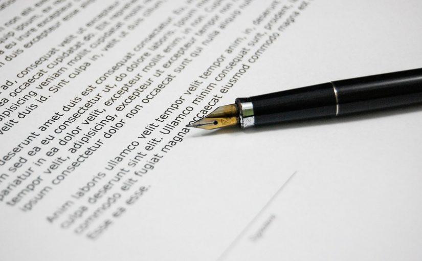 Notariusz – kiedy warto się od niego wybrać?