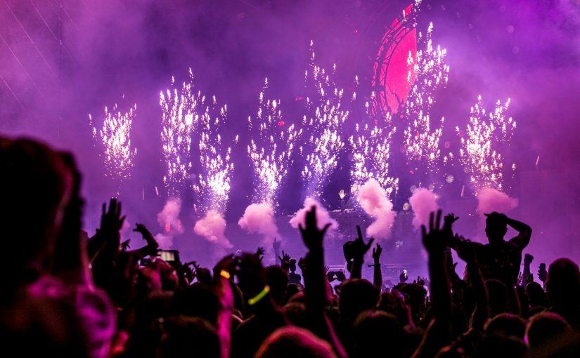 Imprezy masowe – budżet, organizacja, pozwolenia